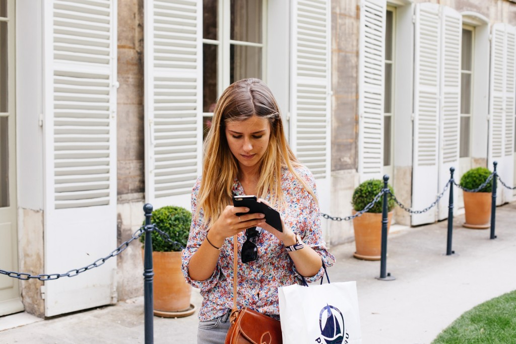 earn money helping people become an online stylist with Stitch Fix